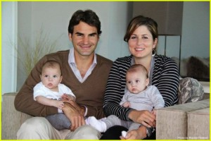 roger-federer-family-portrait-holiday-01