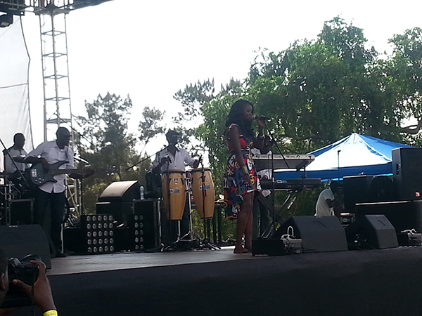 Ekky puts on a soulful performance at the Blankets and Wine Event
