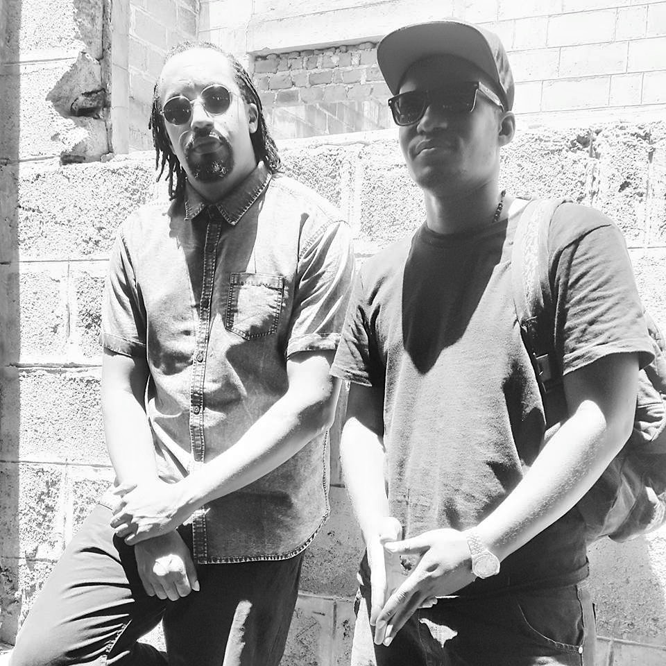 Navio with close friend Flex D Paper