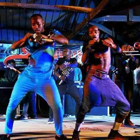 Eddie Wizy dances with Kenzo