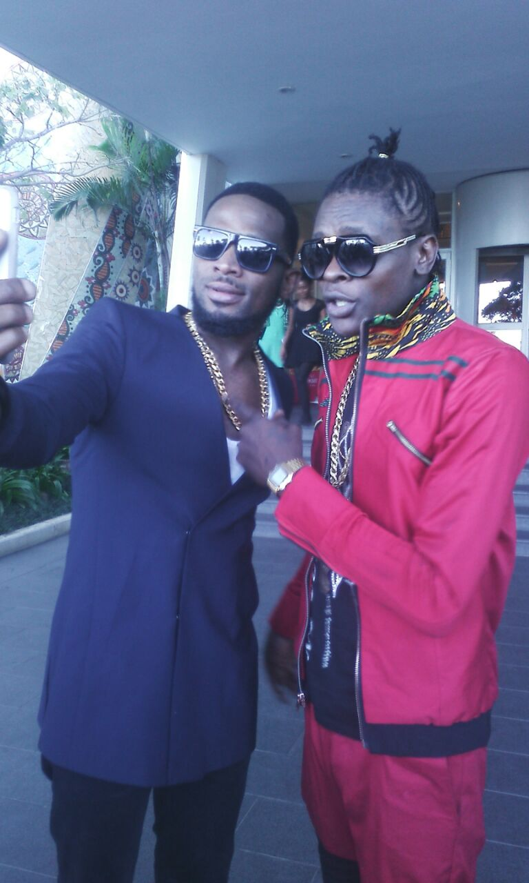 D'banj takes a selfie with Chameleone