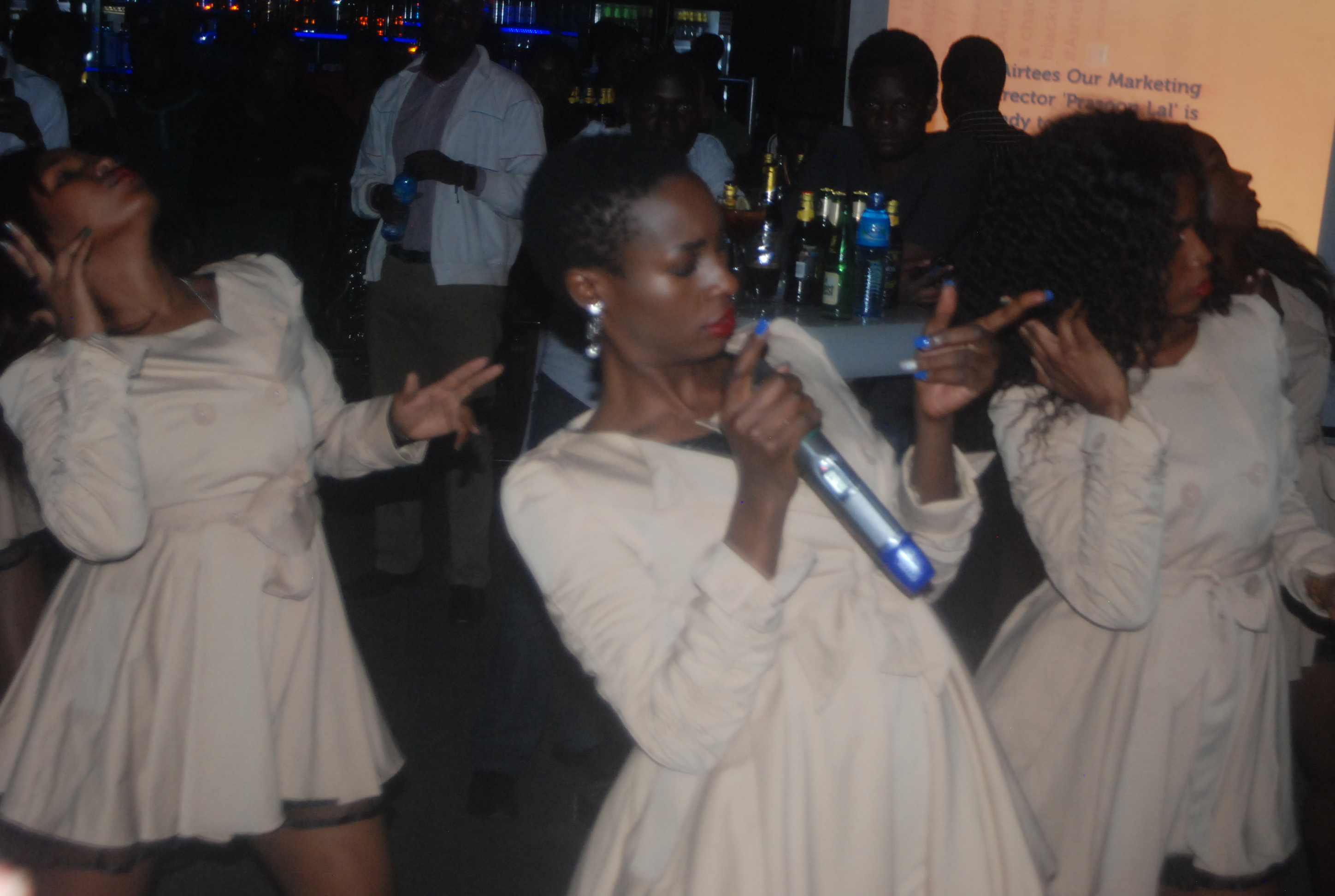 Cindy thrills fans at Airtel zone party