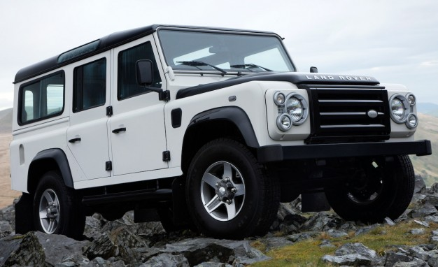 2009-Land-Rover-Defender-110-Station-Wagon-1041-626x382