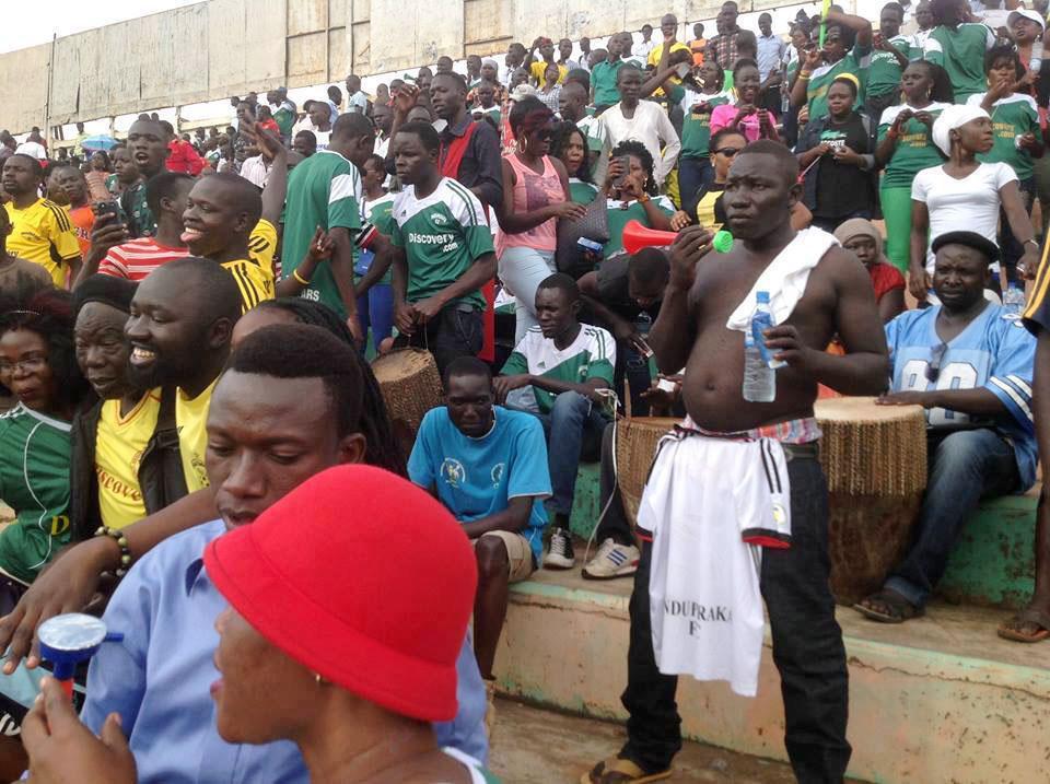Onduparaka fans1