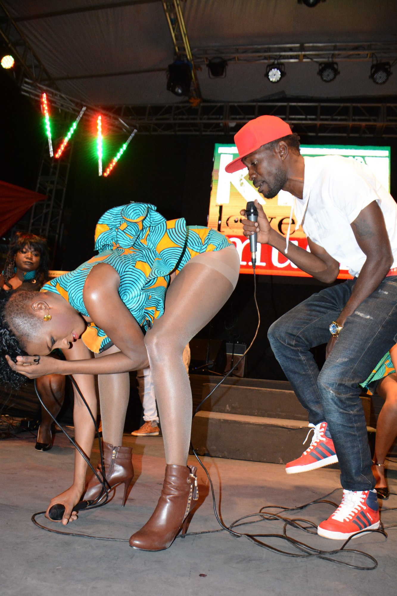 cindy and bobi wine2
