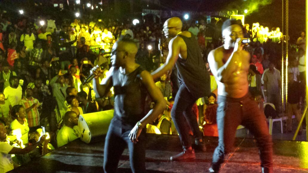 Abs alert, Sautisol showed off their impressive physiques