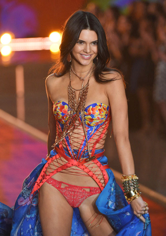 rs_634x901-151111104938-634-kendall-jenner-vs-show