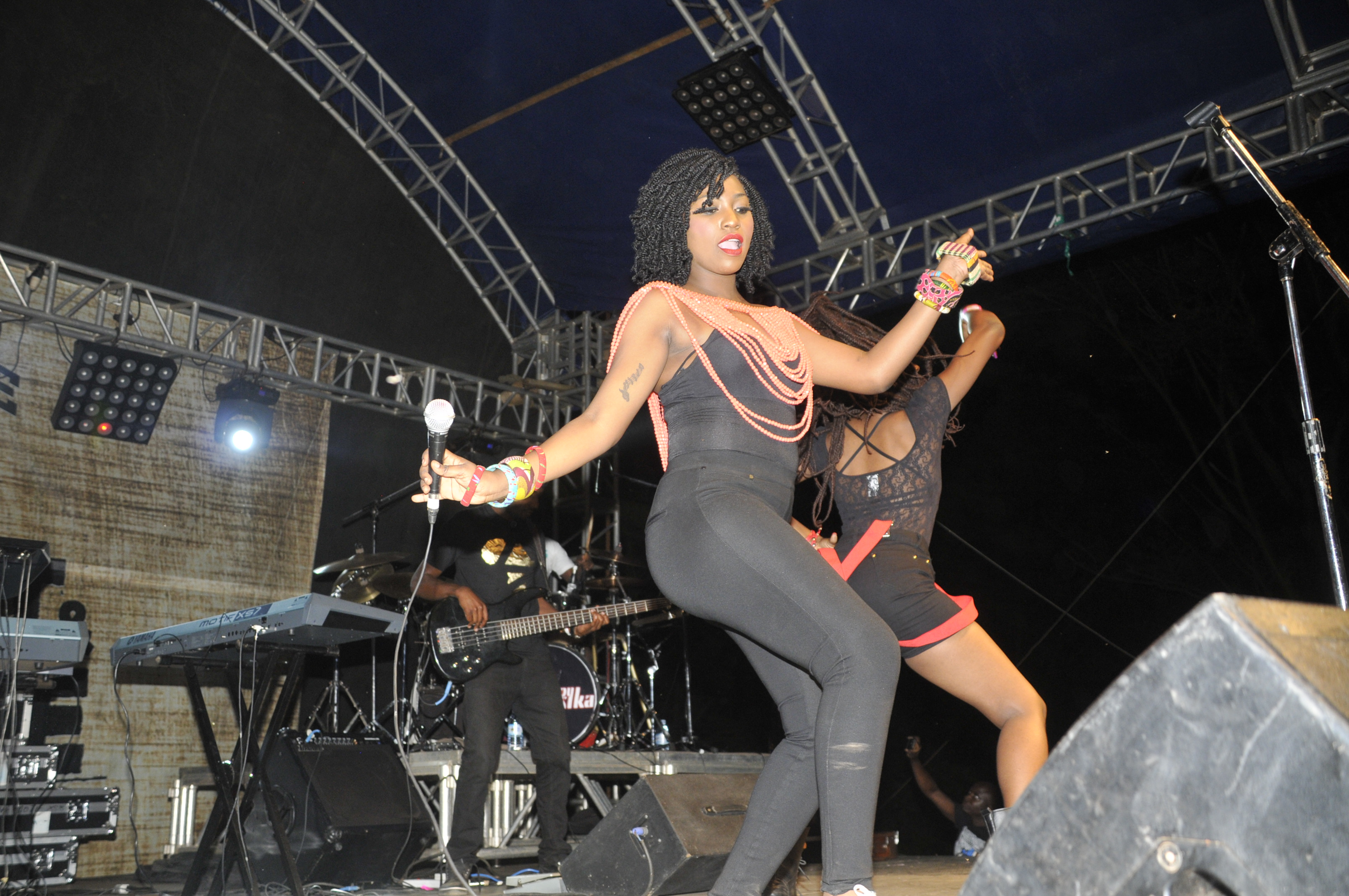 irene-ntale-doing-her-thing-on-stage