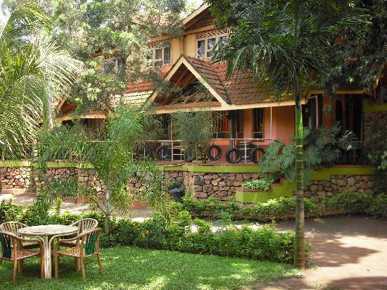 forest-cottage-5