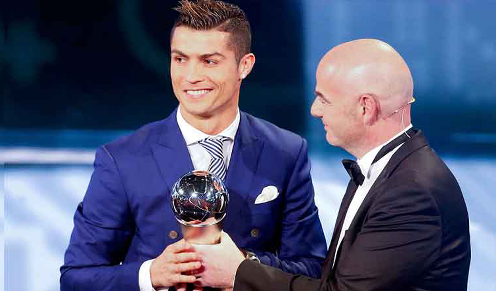 ronaldo-wins-fifa-best-player-award