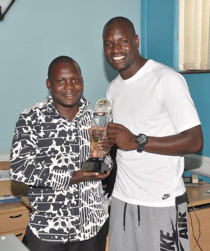 onyango-with-award