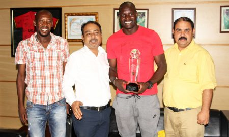 onyango-with-trophy
