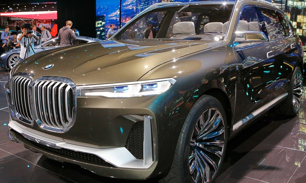 Review A Look At The Bmw X7 Set To Hit Market In February