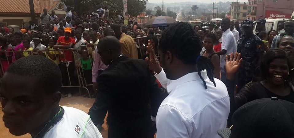 Bebe Cool turns up for the celebrity service