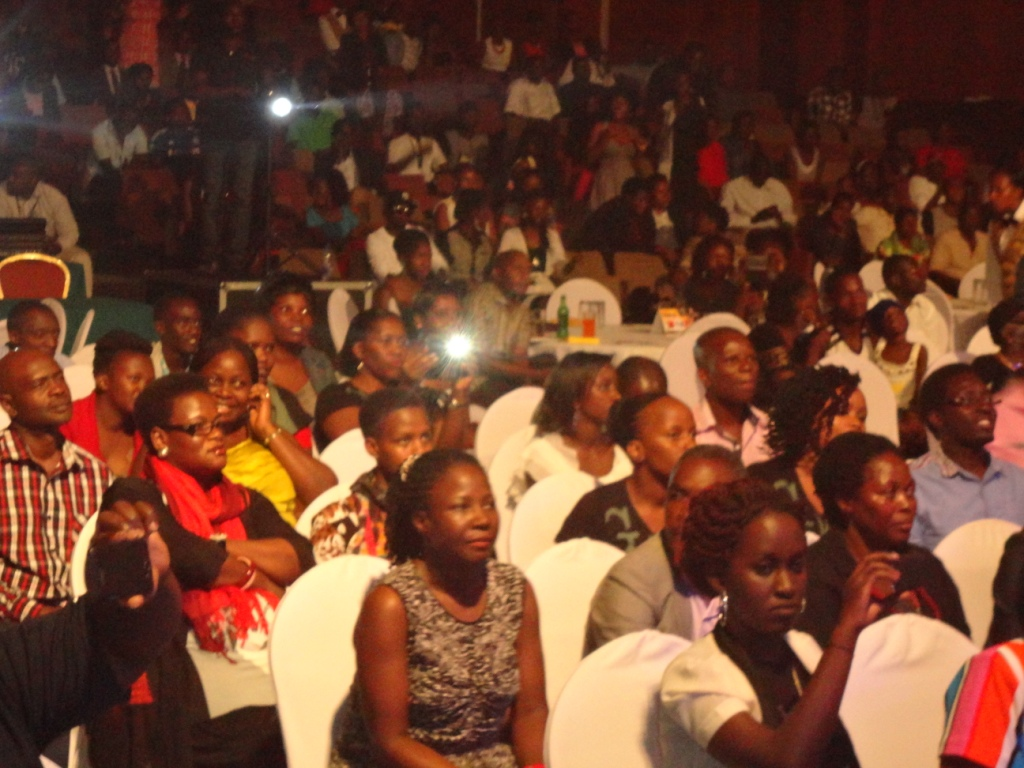 Massive turnup for the Cooper and G-Way charity concert.